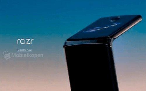 Moto RAZR render
