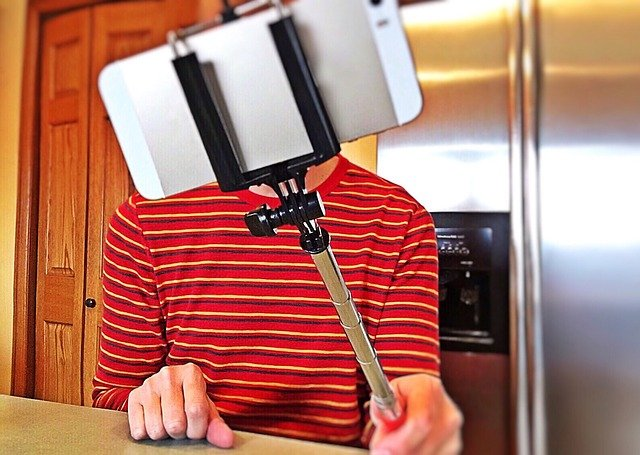 selfie stick  asta telescopica per l'autoscatto con lo smartphone