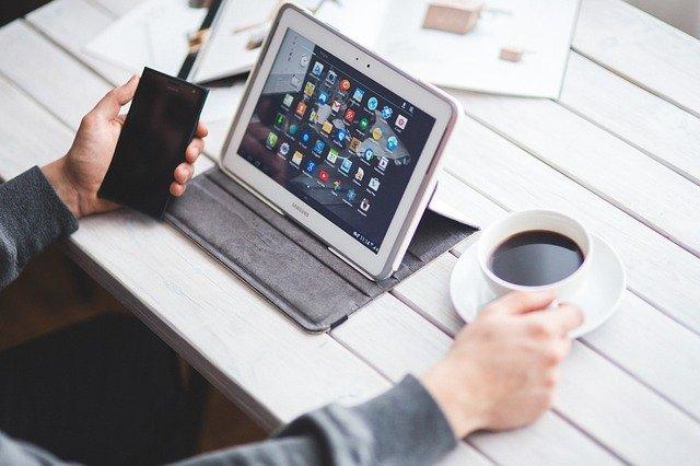 internet mobile smartphone tablet